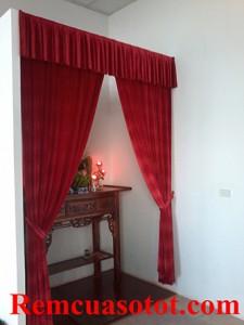 Làm rèm phông nhung màu đỏ cho đại lý ô tô NichSan Cầu Diễn, Từ Liêm, Hà Nội