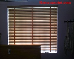 Rèm cửa gỗ, rèm gỗ Việt Nam cao cấp cho phòng ngủ mã RG 116