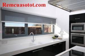 Rèm cuốn cửa sổ phòng bếp giúp vượng khí mã RC 828