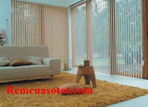 Rèm lá dọc phòng khách màu vàng nhạt ấm cúng mã RLD 131